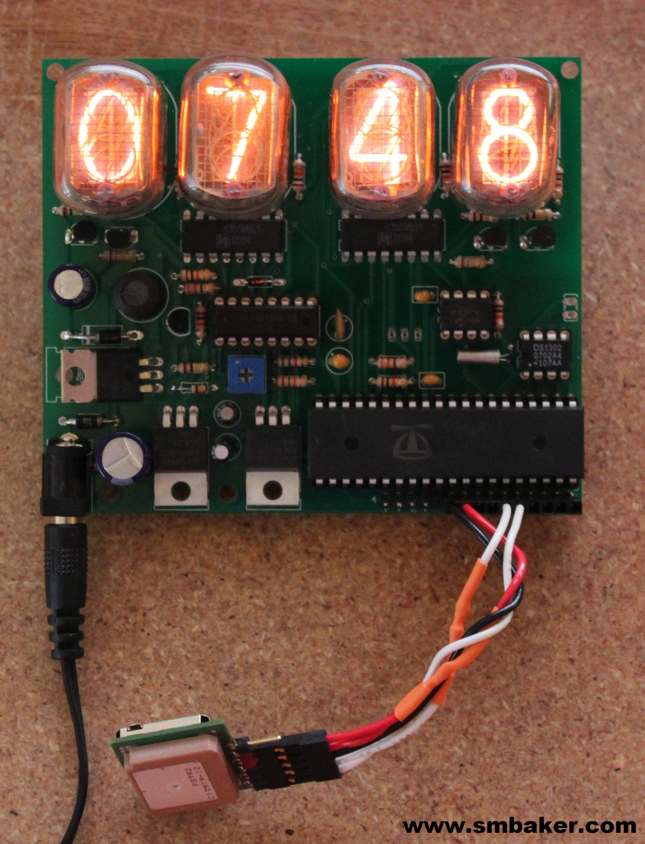 IN12 Nixie Tube Clock with a GPS installed